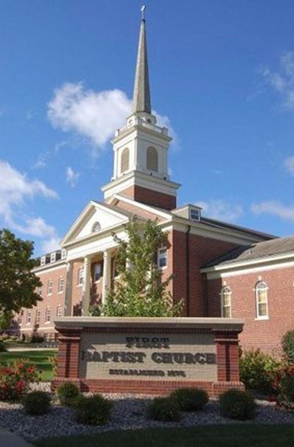 SD, Sioux Falls - FIRST BAPTIST CHURCH
